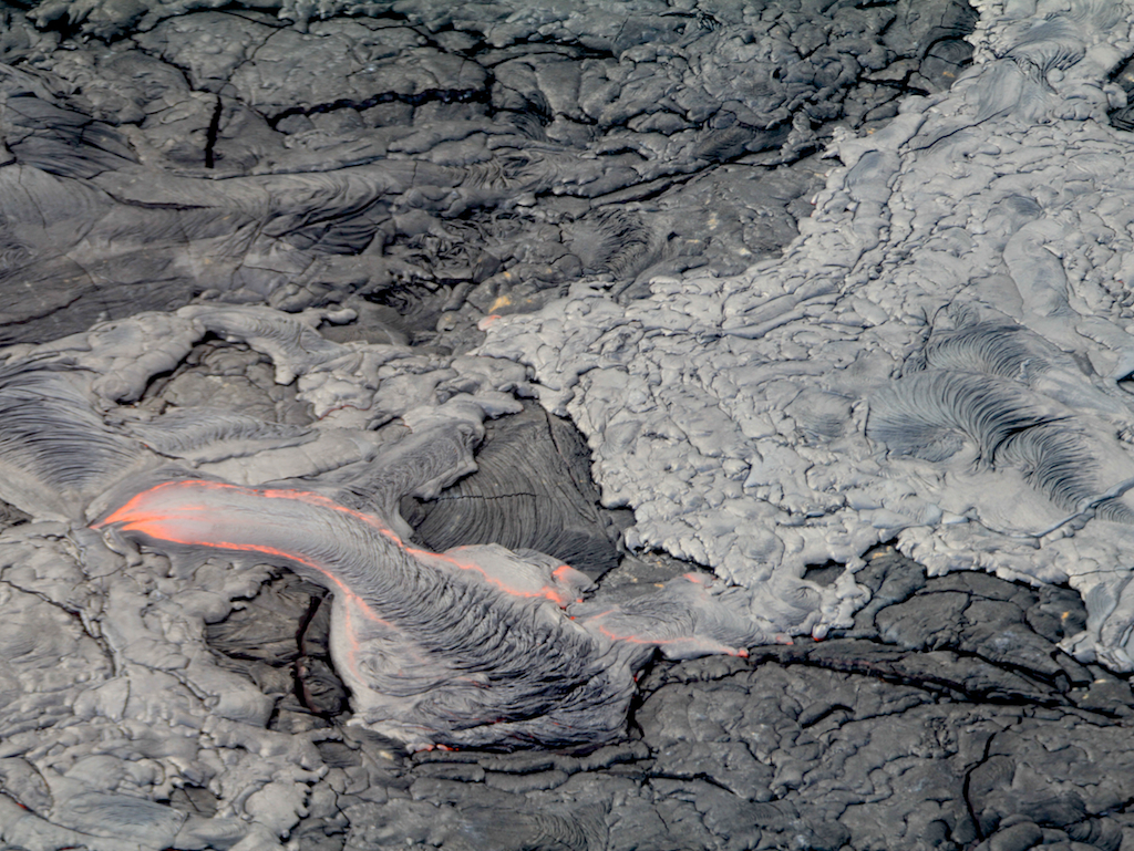Passeio de Helicóptero no Hawaii: Lava do vulcão Kilauea visto do alto