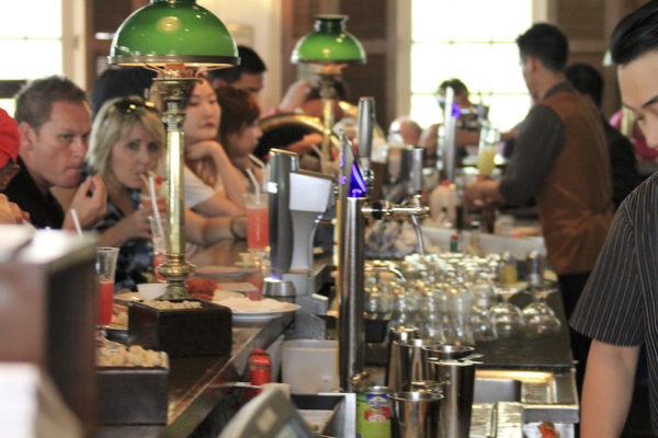 Bar do Raffles Hotel em Singapura