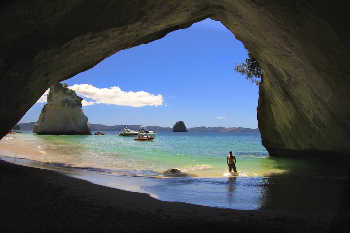 Cathedral Cove em Coromandel Península na Nova Zelândia